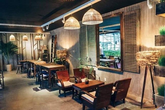 Xưởng sản xuất bán đồ nội thất bàn ghế gỗ quán cafe phong cách Vintage và retro